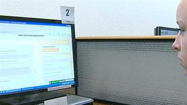Job seekers are getting help and brushing up their computers skills when finding a job online.