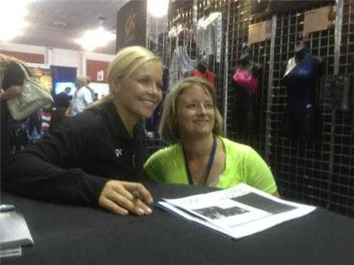 Olympian Amanda Borden signs autographs at the U.S. Olympic trials, which made for lots of happy fans.