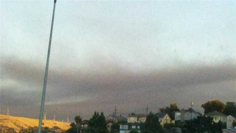 A plume of smoke rises from the Chevron refinery fire in Richmond. It could be seen from Hercules (Aug. 6, 2012).