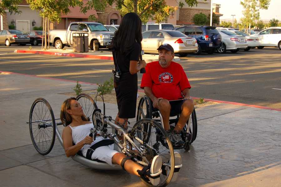 Thea Rosa and Rick Mason talk handcycling.