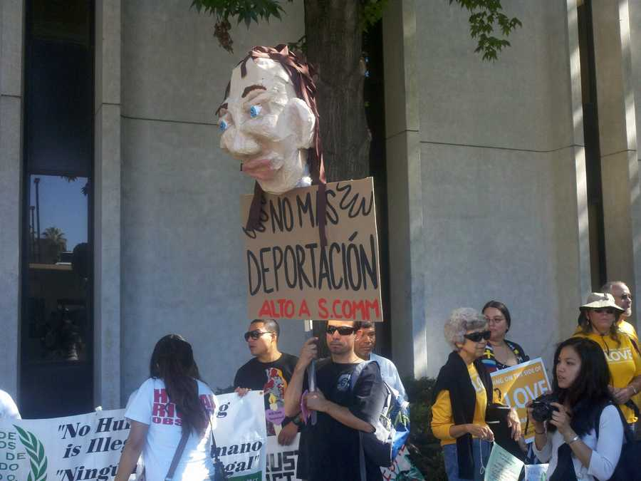 """Supporters marched in Sacramento on Tuesday with hopes that Gov. Jerry Brown will sign a bill that would protect illegal immigrants who commit minor crimes from deportation. The """"Trust Act"""" would also limit law enforcement officers ability to run fingerprint checks."""