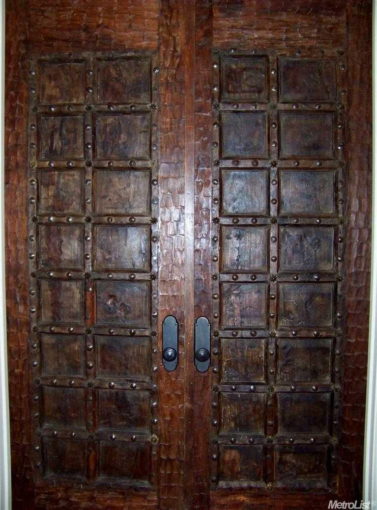 Go through these doors to take the tour.