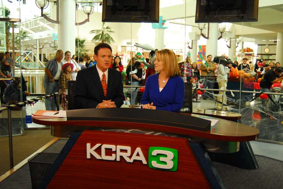Walt with Eileen Javora on the set of the KCRA 3 Experience at Arden Fair Mall.