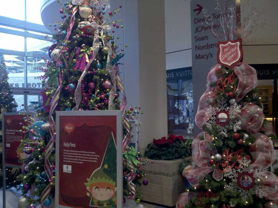On Thursday, the Westfield Galleria at Roseville kicked off the Festival of Trees, a new community outreach program where local charities will compete in a tree decorating contest, and shoppers will be able to vote through the season for their favorite. A $1,500 cash prize will go to the charity with the most votes.
