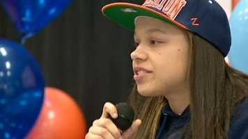 Casey Williams from Sac High will play basketball at Cal State Fullerton.