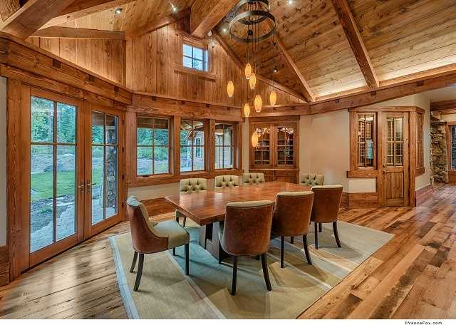 Here's the dining area, and not too far off is the master wing, which has a sense of privacy andretreatwith its own fireplace.