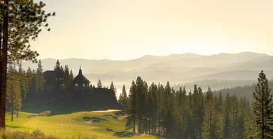 Some of the other amenitiesinclude a camp lodge, lookout ski lodge, a library and this golf course.