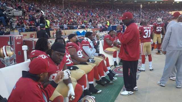 49ers sideline during their game Sunday against the Arizona Cardinals.