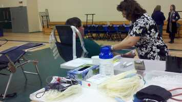 On Friday, the KCRA 3 Blood Drive For Life kicked off at the Roseville Sports Center, and volunteers have a goal to bring in more than a thousand new donors.