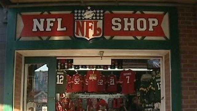 Fans prepare for 49ers/Packers game