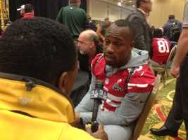 49ers' Vernon Davis chats with KCRA 3's Del Rodgers (Jan. 31, 2013).