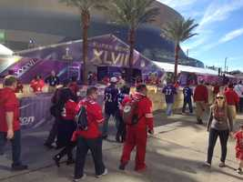 49ers fans outside the Superdome before Super Bowl XLVII.