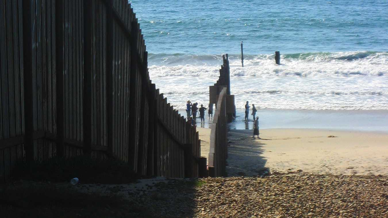border beach san diegoooo.jpg