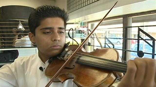 Violinist blurb.jpg