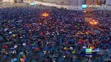 1,000s of faithful gathered in St. Peter's Square despite the rainy conditions.