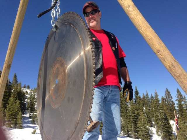 This gong lets the racers know that it's time to go.