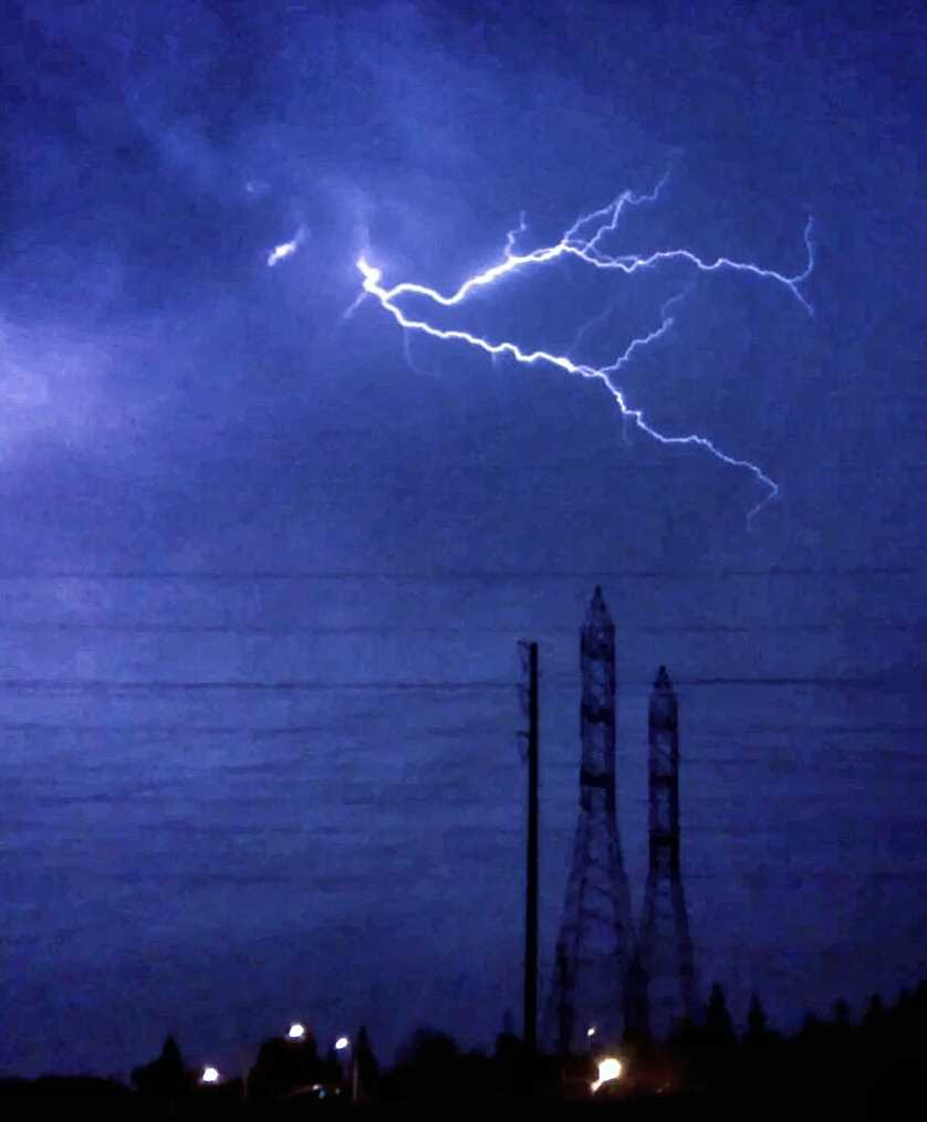 Early Sunday morning, lightning was seen to the east of Folsom.