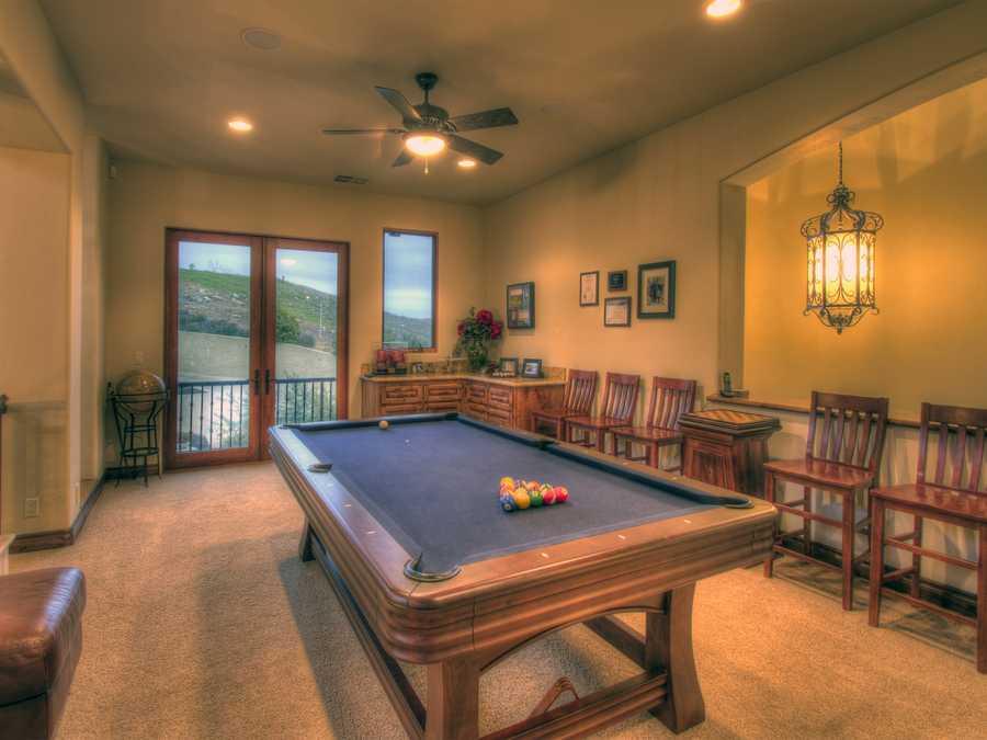 This estate has this bonus/game room.