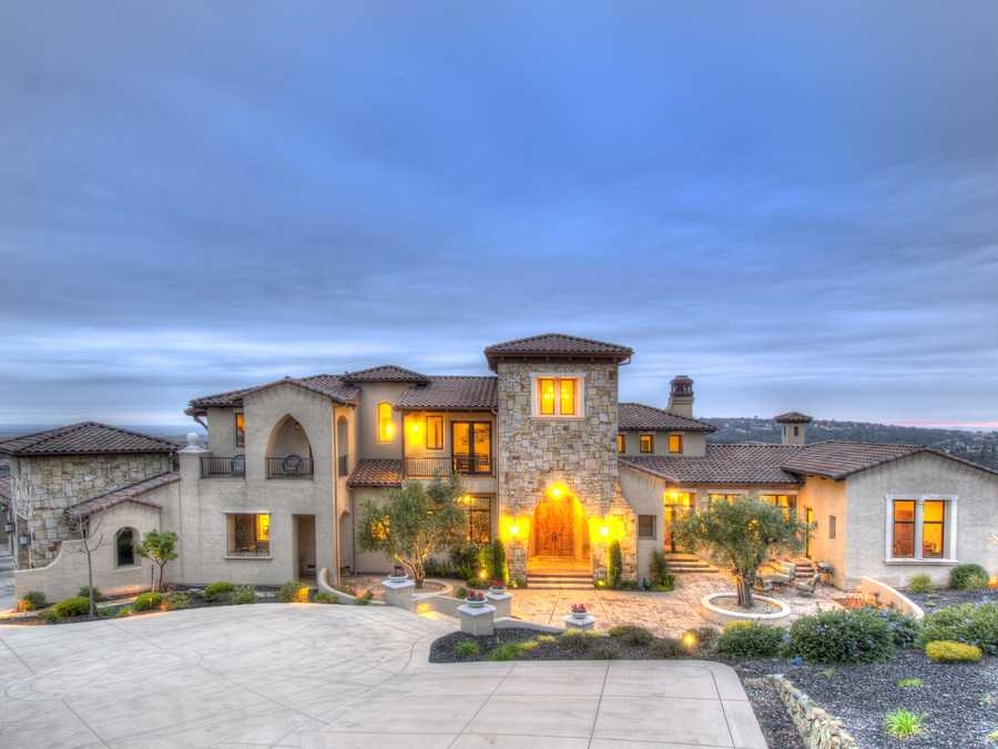 For more information on this week's Mansion Monday, click here.