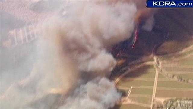 A 2,000-acre blaze continues to rage in the Camarillo area along U.S. 101 in Ventura County.