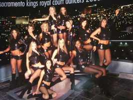 Royal Court Dancers: 00-01