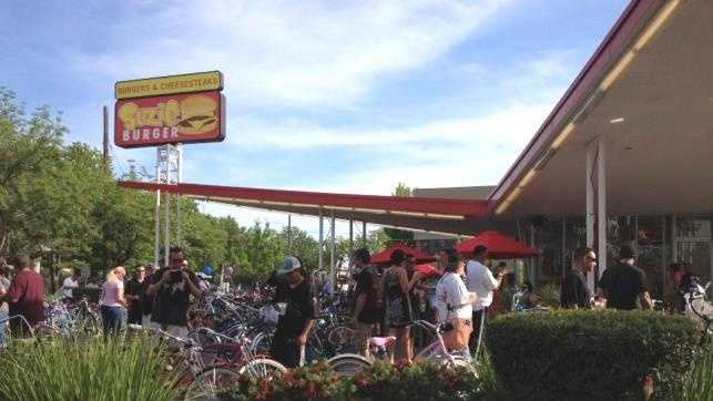 What: Sacramento CyclefestWhere: Sat: Suzie Burger&#x3B; Sun: Hideaway Bar & GrillWhen: Sat 5pm to approximately 9pmClick here for more information on this event.
