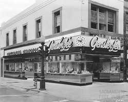 726 K Street: Gensler-Lee was a San Francisco-based jewelry company located at 730 K Street in the early 1940s. The original exterior walls were once lined with copper colored mirrors. The upper-floor of the building, addressed 726 K Street, once belonged to dentist practitioner Dr. Samuel D. Orwitz.
