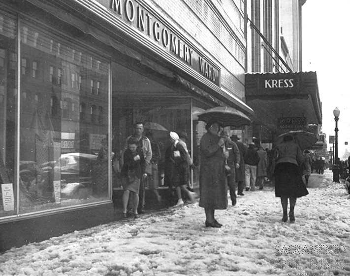 830 K Street: The Montgomery Ward Building, located at 830 K Street, was built in 1936 next to the Kress Building. This photograph of the Montgomery Ward building was taken on March 14, 1942 on a rare snowy day in Sacramento. The only other snowfall in Sacramento happened three decades later.