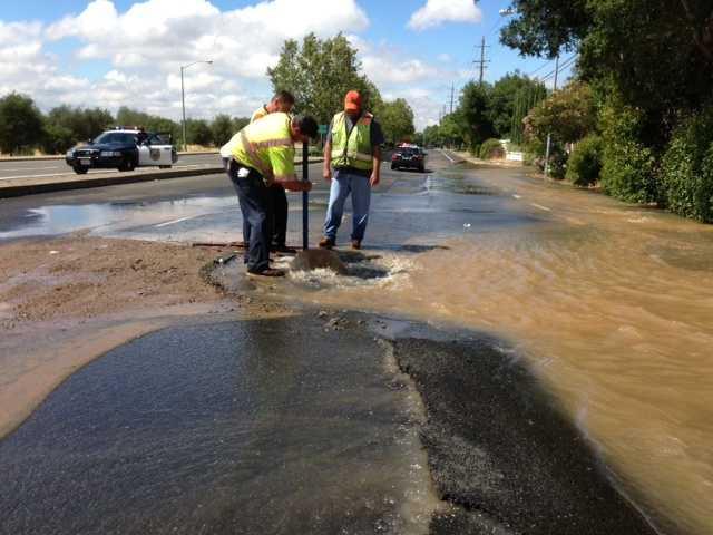 A water main on Franklin Boulevard, in Elk Grove, broke Tuesday afternoon (June 25, 2013).