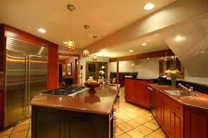 This well designed kitchen has many chef-inspired amenities.