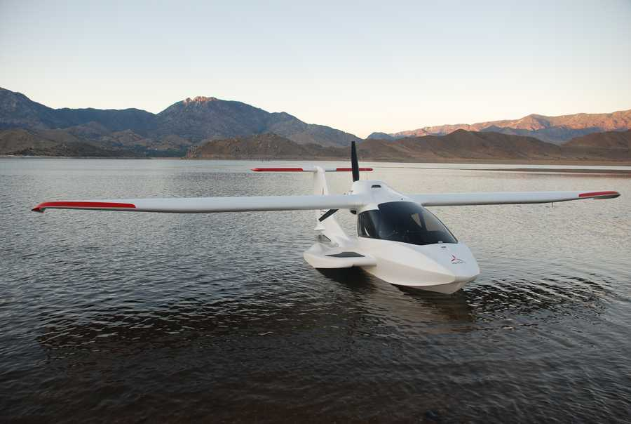 See photos of the ICON A5 plane, an amphibious light-sport aircraft.