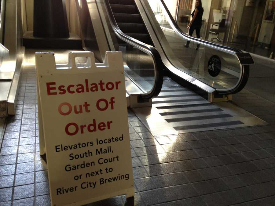 All the escalators were out of service because of the power outage, leaving customers to use them as regular stairs (Aug. 5, 2013).
