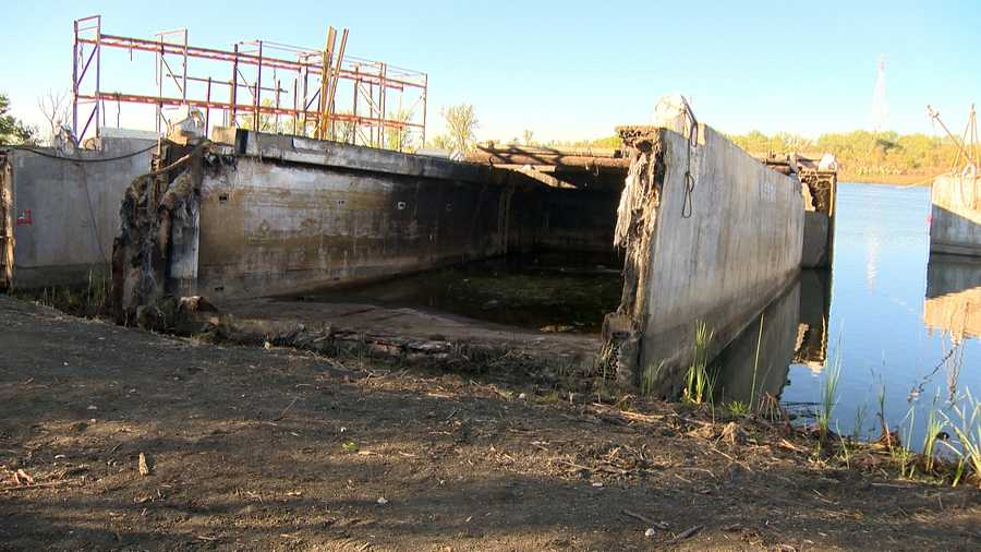 The city of West Sacramento and the Port Commission have been trying to clear out the barges marooned on the banks of Lake Washington for years.