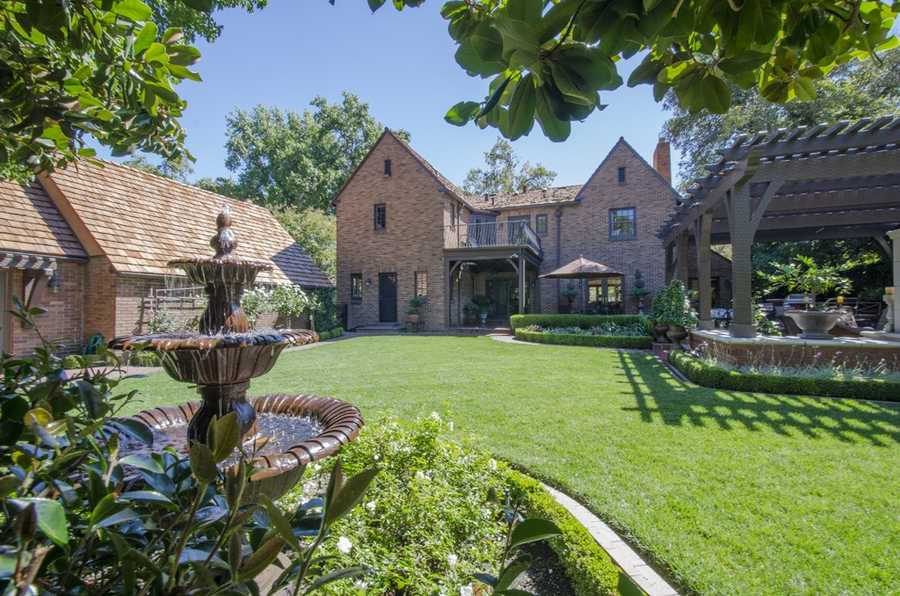 Here's a look at a guest house behind the east Sacramento home.