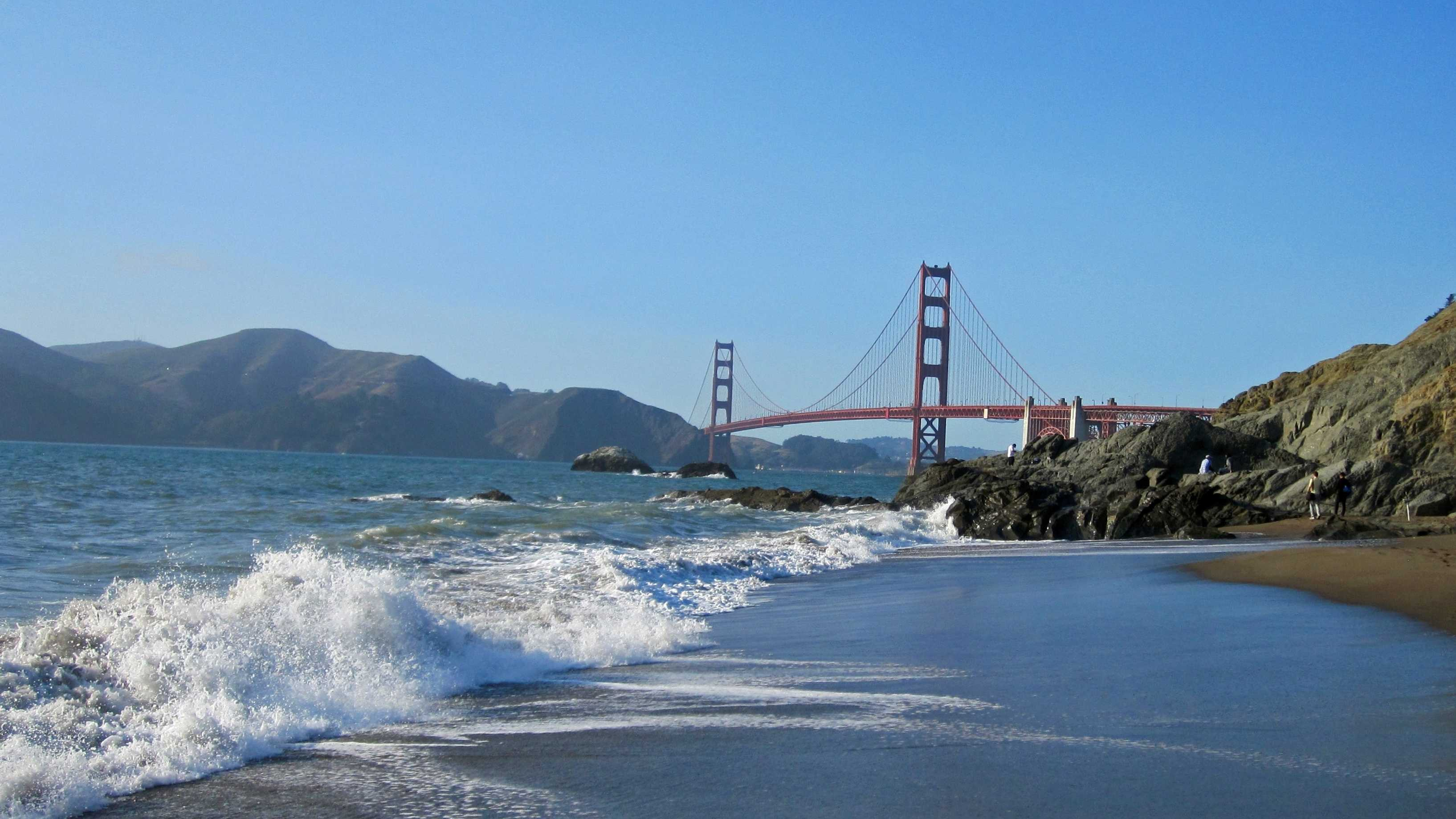 Golden Gate bridge, beach.jpg