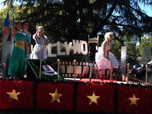 Hollywood was played out by the Senior class, with the famous Hollywood sign and Disney princess. Marilyn Monroe even made an appearance.