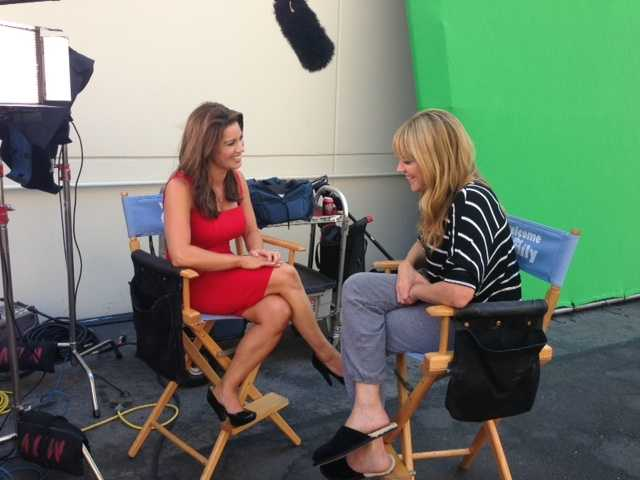 """Lisa Gonzales interviews Mary McCormack of the NBC comedy, """"Welcome to the Family."""""""