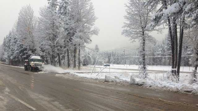 Snowfall in the Sierra on Monday. (Oct. 28, 2013)