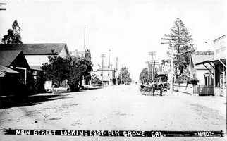 Here's a long look east on Elk Grove Main Street in 1895. To the left is the Toronto Hotel.