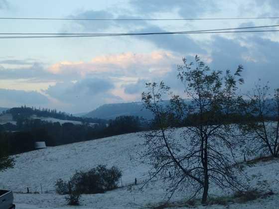 Snow on Mokelumne Hill. (Dec. 7, 2013)