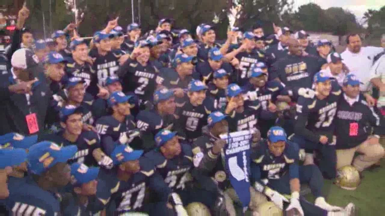 Central Catholic  halts Himar's undefeated season to win D4 section title
