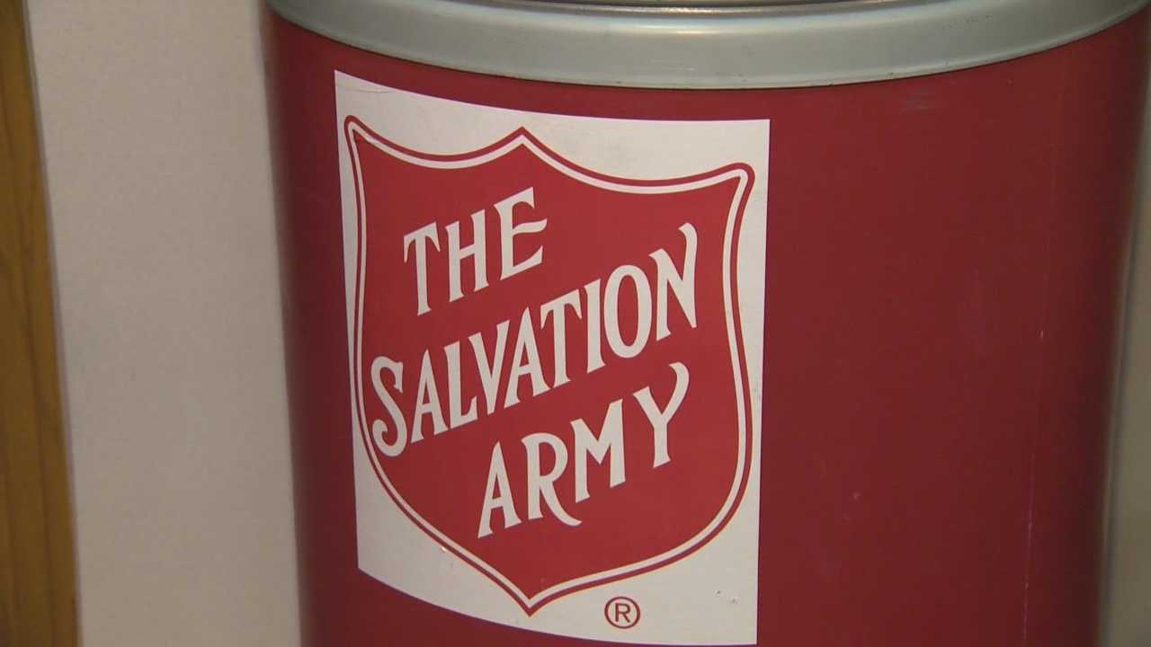 With 6 fewer shopping days before Christmas this year, that also means 5 fewer red kettle days for the Salvation Army to raise money.