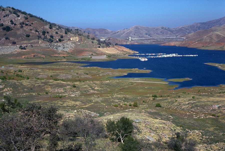 A lack of water shrank Lake Kaweah in Tulare County during 1976, causing some of the boat ramps to be unusable.