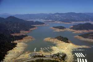 In 1976, Lake Shasta was left parched during the drought.