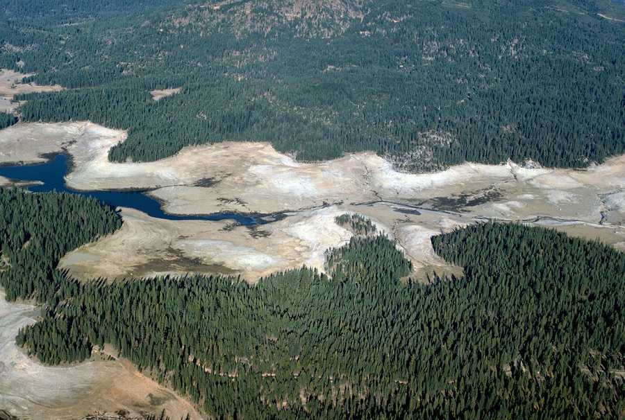 An aerial view of the Union Valley Reservoir showed extremely low water levels in 1976.