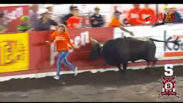 Bull tosses woman Costa Rica