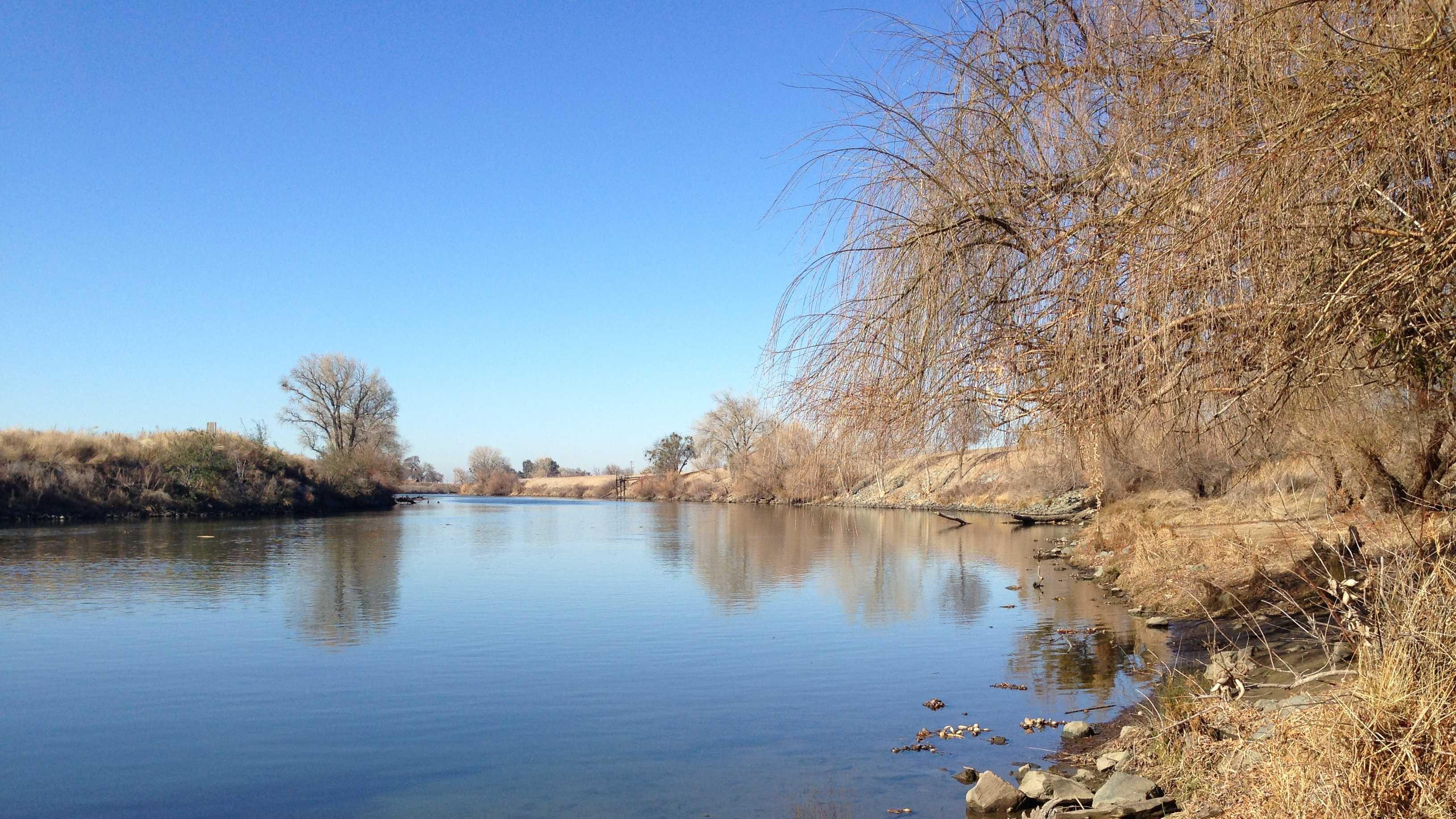 The San Joaquin River flows from the Sierra Nevada east of Fresno to the San Joaquin-Sacramento Delta.