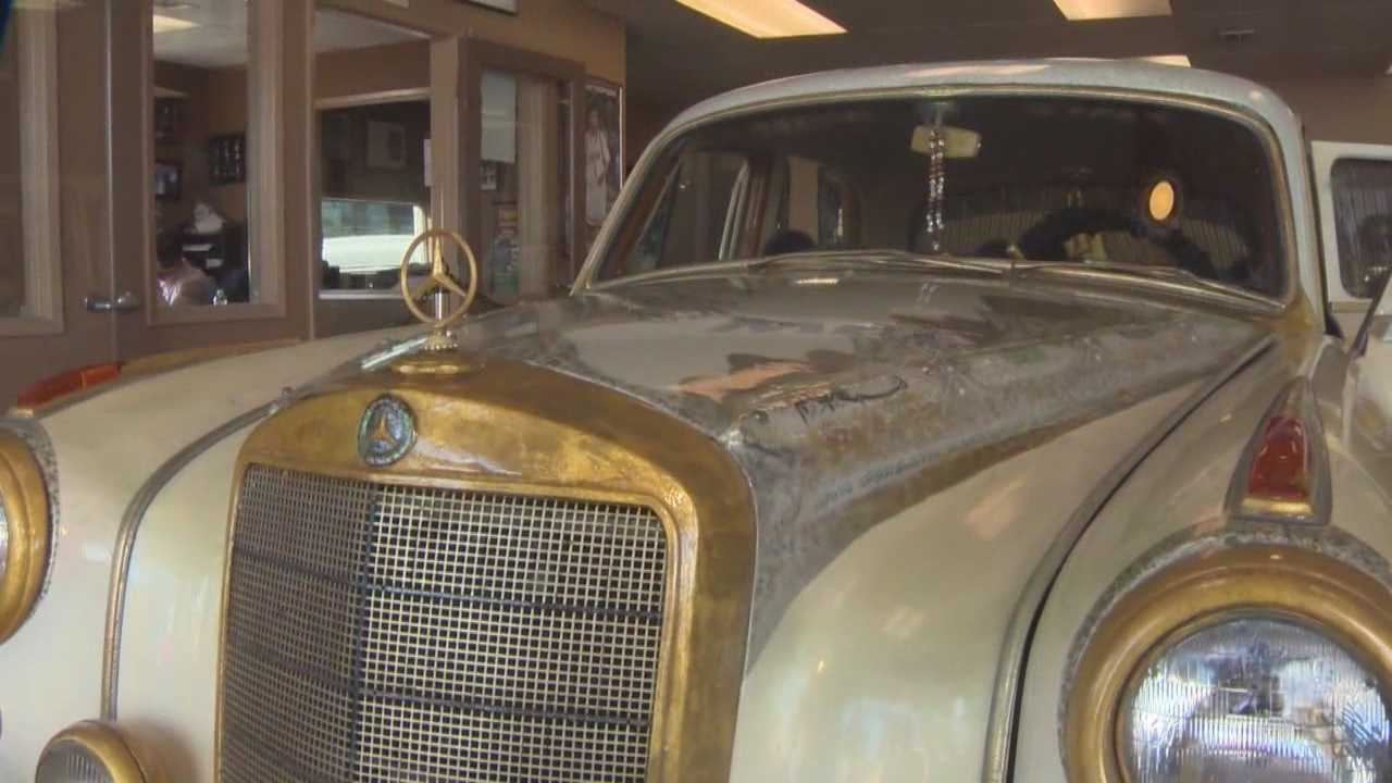 A gold and jewel covered Mercedes Benz owned by boxing legend Muhammad Ali is set to be auction off to help with world hunger.