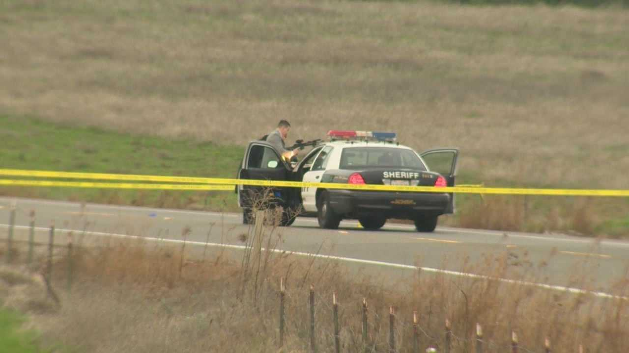 Officers fatally shoot man carrying gun in Sacramento Co.
