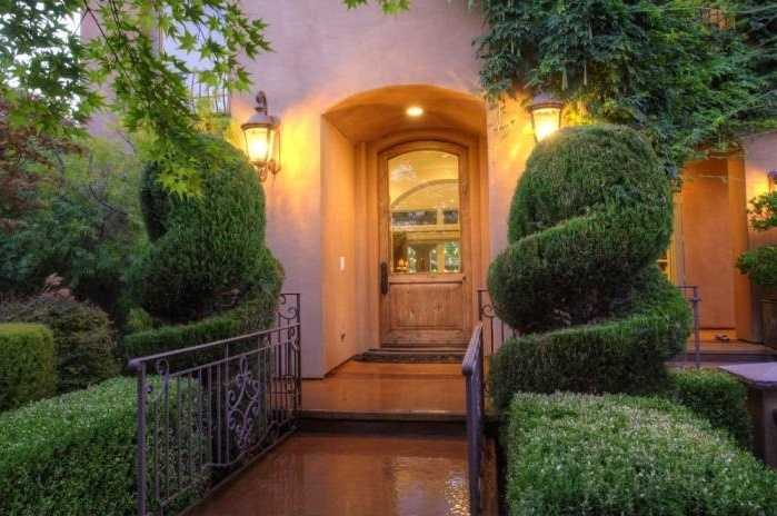 Once inside the gates of this home in Granite Bay, the retreat living begins.